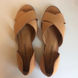 Lucky brand gallah flats. Excellent condition!